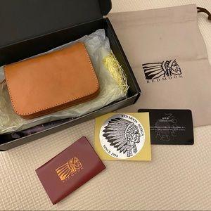 Red Moon Design Men's Leather Bifold Wallet